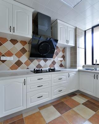奶白色时尚厨房橱柜设计 值得效仿