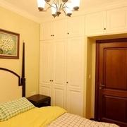 美式风格卧室衣柜装修效果图