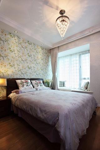 79平白色美式住宅欣赏卧室飘窗