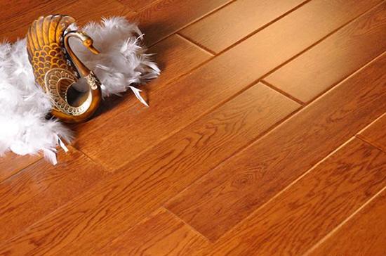 实木复合地板与强化复合地板有什么区别 选购地板别犯傻