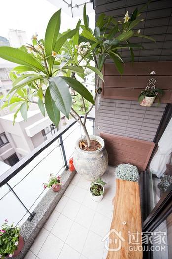 简约温馨三居室案例欣赏阳台