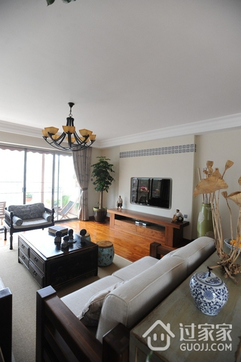 东南亚风格三居室欣赏客厅灯饰