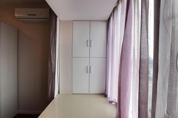 72平简约婚房欣赏飘窗设计