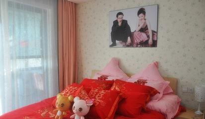 白色浪漫简约两居室欣赏卧室窗帘