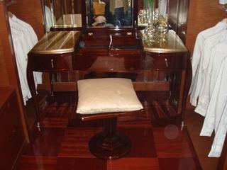 新古典风格装饰卧室化妆台