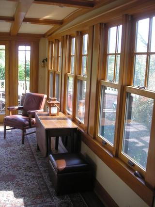 别墅起居室飘窗