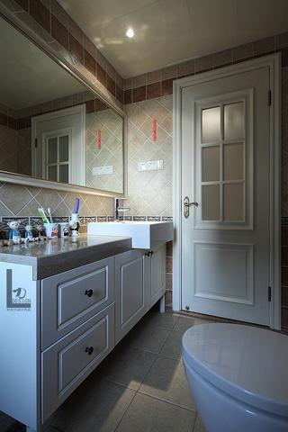 98平美式家居欣赏卫生间