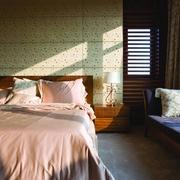 软包背景墙 卧室背景墙