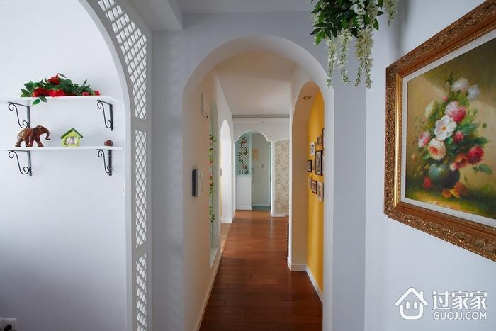 美式乡村客厅走廊花艺装饰图