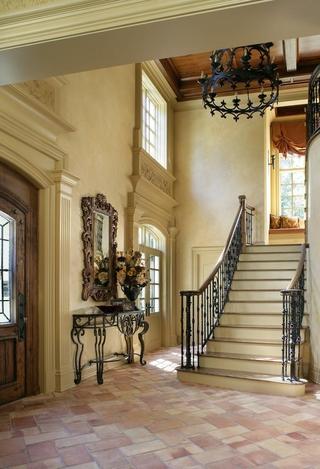 法式别墅设计赏析楼梯