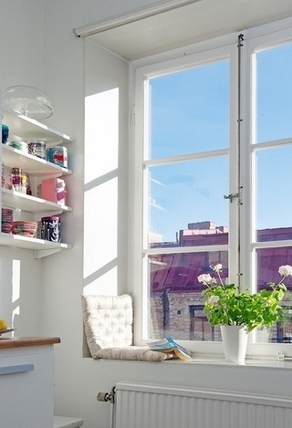 白色北欧两居室住宅欣赏卧室窗户