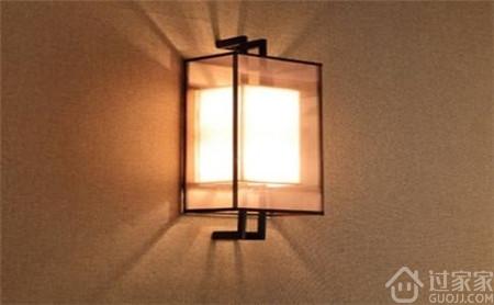 献给深度纠结的你,床头装一个壁灯好看吗