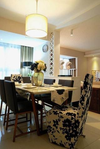 89平简约三居室餐厅餐桌欣赏