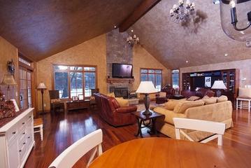 实木地板美式客厅效果图