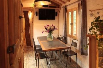暖色简约小木屋欣赏