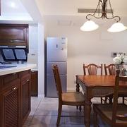 98平美式稳重住宅欣赏餐厅过道