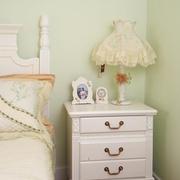 卧室床头柜摆放效果图 时尚家居必选