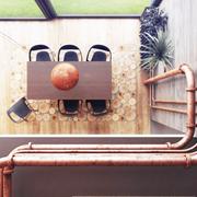 古朴与现代结合的阁楼欣赏餐厅效果