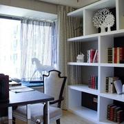 简约舒适三居室案例设计欣赏餐厅餐桌