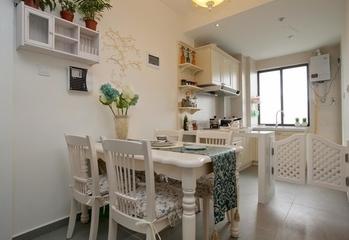 70平简约两居室案例欣赏餐厅餐桌设计