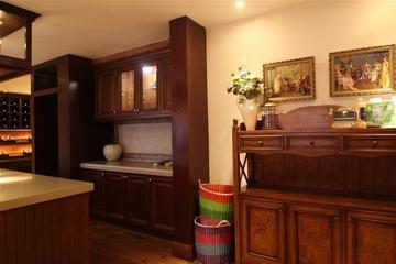 咖啡色欧式样板房欣赏厨房局部