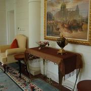 欧式风格样板房背景墙有框装饰画
