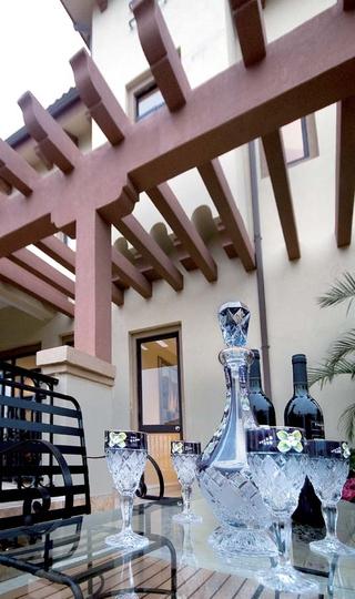 地中海风格别墅设露台