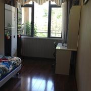 89平简约三居室欣赏卧室衣柜