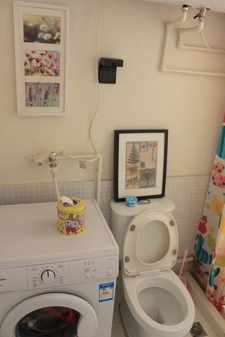 62平简约小两居案例欣赏卫生间照片墙
