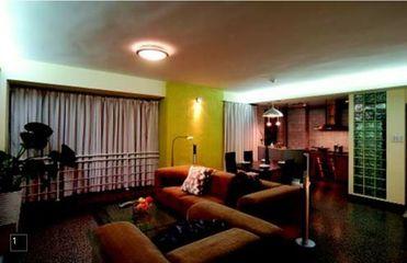 42平方米一室一厅小户型装修 客厅餐厅厨房三房相连的单身公寓