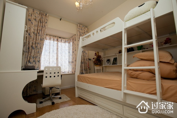 70平简约两居室案例欣赏卧室飘窗