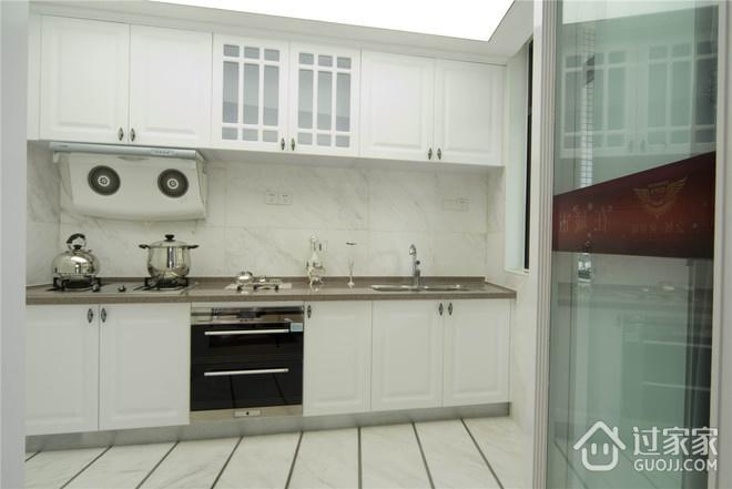124平欧式三居室欣赏厨房橱柜