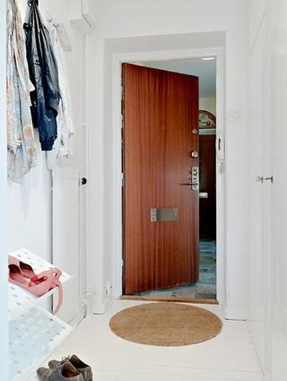白色北欧两居室案例欣赏玄关鞋柜
