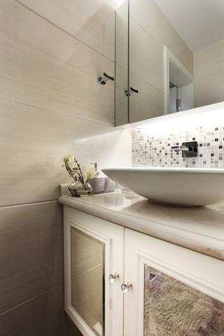 121平白色现代住宅欣赏洗手间