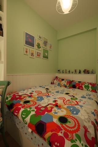 温馨美式三居室欣赏卧室陈设