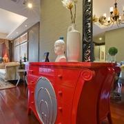新古典样板房客厅红色橱柜