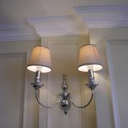 欧式风格复式楼壁灯设计