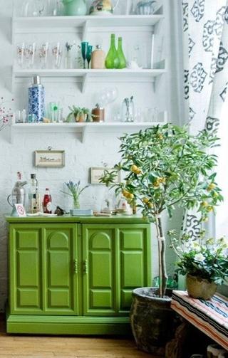 绿色简约生活气息欣赏客厅博古架
