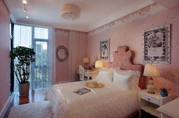 102平美式温馨三居欣赏卧室窗帘