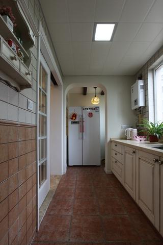 美式风三居室雅居欣赏厨房吊顶设计