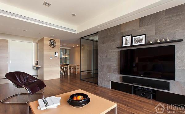 冷色调北欧风格,电视背景墙和两扇玻璃设计让空间更加自由通畅 过家家装修网