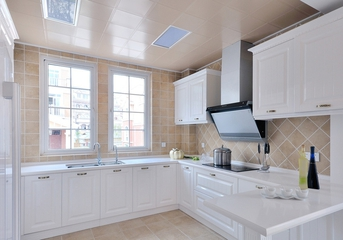 118平白色简欧住宅欣赏厨房橱柜