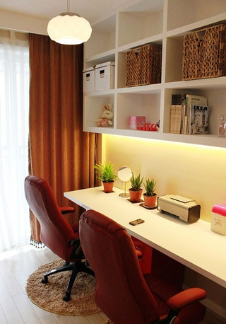 80平三居室现代风欣赏书房书架设计