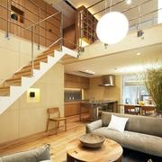 89平日式温馨复式楼欣赏楼梯间