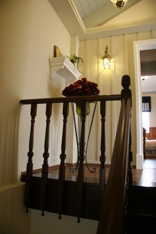 田园别墅设计楼梯间装修效果图设计