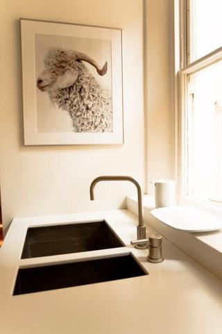 精妙有趣现代别墅欣赏厨房局部