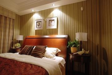 美式雅致三居室欣赏卧室吊顶