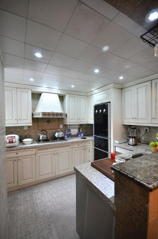 102平美式三居室欣赏厨房橱柜