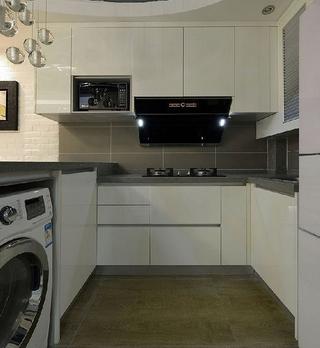 82平现代三居室温馨之家厨房橱柜设计