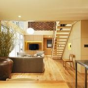 89平日式温馨复式楼欣赏客厅效果
